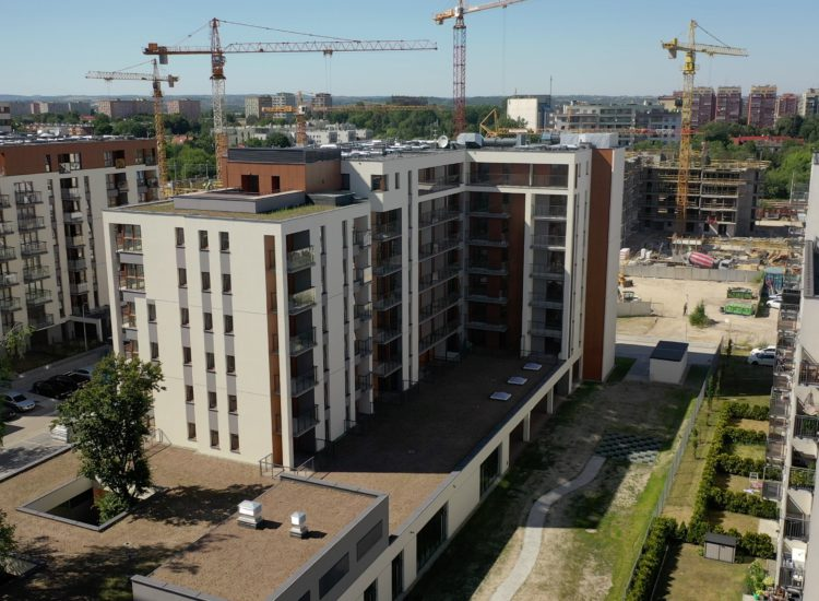 """Zakończenie prac przy budynku A1 naosiedlu """"Nowa 5 Dzielnica"""" wKrakowie"""